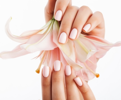What is american manicure mobile beauty therapists 01223 750331 with a tone that was bare the root of the nail is painted in a american manicure as well as the point is painted with a neutral tone like ivory or off solutioingenieria Images