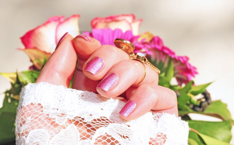 Do manicure and pedicure yourself mobile beauty therapists 01223 do it yourself manicures really are a fantastic way to feel comfortable without having to spend a great deal of money but it may be quite task to match solutioingenieria Image collections